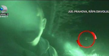 Aparitie bizara la Rapa Diavolului, cel mai infricosator loc din Romania! Jurnalistul de investigatii Stefan Stroe a petrecut o noapte, singur, in locul despre care se spune ca s-ar petrece lucruri necurate