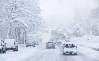 Se instaleaza haosul! Zapada atinge 20 de centimetri! Traficul a fost ingreunat in mai multe zone din tara