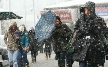 Vreme de cosmar in toata tara! Viscol si ploi in mai multe zone! IARNA NU ne mai iarta