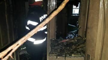 O persoana a murit intr-un incendiu puternic izbucnit la doua imobile din Timisoara! Zeci de pompieri intervin