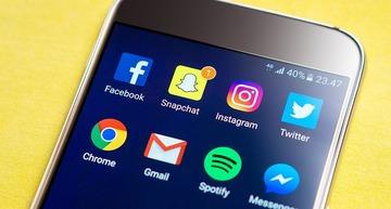 Un tanar din Iasi a primit amenda 500 de lei dupa ce a injurat pe Facebook - Ce au spus judecatorii!