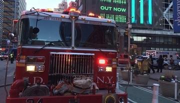 Explozie la metroul din New York! O bomba improvizata intr-o teava, legata de un barbat, a fost detonata