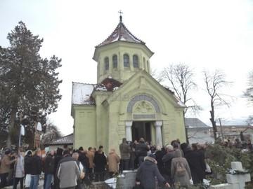 Ramas bun, Romica! Orasul din Romania care a fost devastat de moartea lui