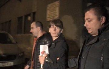 Incredibil! Dupa ce a omorat-o pe tanara de 25 de ani la metrou, criminala s-a dus la Obor si a incercat sa arunce pe cineva in fata tramvaiului