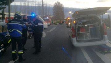 Impact mortal, dupa ce un autobuz a fost lovit de tren. Patru copii au murit si peste douazeci au fost raniti