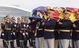 Mulţimea S-A DEZLĂNŢUIT la înmormântarea Regelui Mihai! Ce au strigat oamenii adunaţi la ceremonii