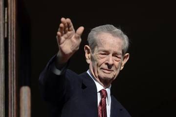 Cum a apărut Carmen Iohannis la înmormântarea Regelui Mihai! Soţia preşedintelui a surprins pe toată lumea!