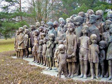 Masacrul de care putini vorbesc. 88 de copilasi dintr-o localitate sunt ucisi, mamele de aici sunt obligate sa avorteze - Doar un monument de arta mai aminteste de aceasta tragedie