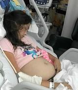 Burta acestei fetite de 11 ani crestea, iar toata lumea credea ca e gravida! Medicii au ramas socati cand i-au facut o ecografie. Ce au gasit in abdomenul ei