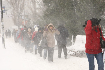 Meteorologii anunta lapovita si ninsoare in toata tara! Iata de cand intra in vigoare avertismentul!