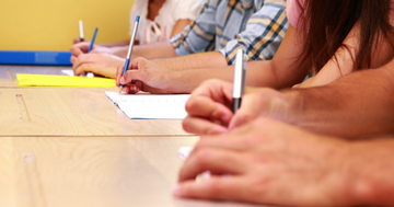 Elevii de clasa a XII a vor da primele probe de la BAC in februarie
