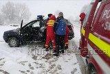 Prapad intr-un judet din Romania! Copacii cazuti au distrus masini, oamenii au ramas fara curent, iar zapada le-a dat batai de cap tuturor