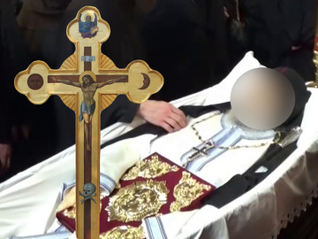Parintele Nectarie si-a miscat mana in cosciug, inainte sa fie ingropat! Credinciosii ortodocsi cred ca este o minune! VIDEO