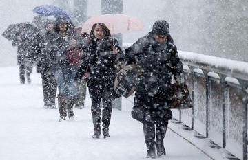 Se întoarce vremea rea! Care sunt zonele în care va ninge