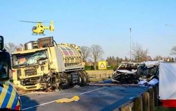 Cinci romani au sfarsit tragic in Olanda! Microbuzul in care se aflau a fost zdrobit de un camion