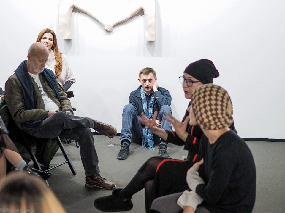 Singurele imagini cu Andrei Gheorghe de la Galeriile Mobius, locul unde oamenii vin sa isi ia acum ramas bun de la el