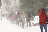 """De ce ninge ca la Polul Nord? Explicatiile specialistilor: """"Este un vartej care absoarbe aerul"""""""