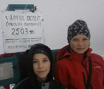 Iti amintesti de Dor Geta Popescu si de Erick Gulacsi, cei doi alpinisti adolescenti morti in Retezat? Se implineste un an de la tragedie, dar parintii copiilor au ramas cu o durere care nu se va stinge niciodata.