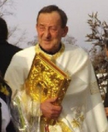 Un preot din Cluj a fost gasit mort in fantana. Barbatul slujea de 25 de ani la biserica din sat
