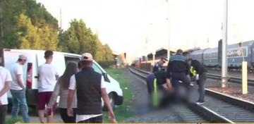 A calcat-o trenul in timp ce incerca sa traverseze calea ferata. S-a intamplat in urma cu putin timp in Voluntari