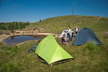 Vacanta de 1 Mai: cum trebuie sa te pregatesti daca vrei sa mergi cu cortul la munte?