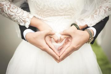 Ţinute neobişnuite de purtat la o nuntă