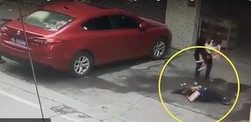 Putea sa ramana paralizata dupa ce i-a cazut un caine in cap! Cum a fost posibil asa ceva!