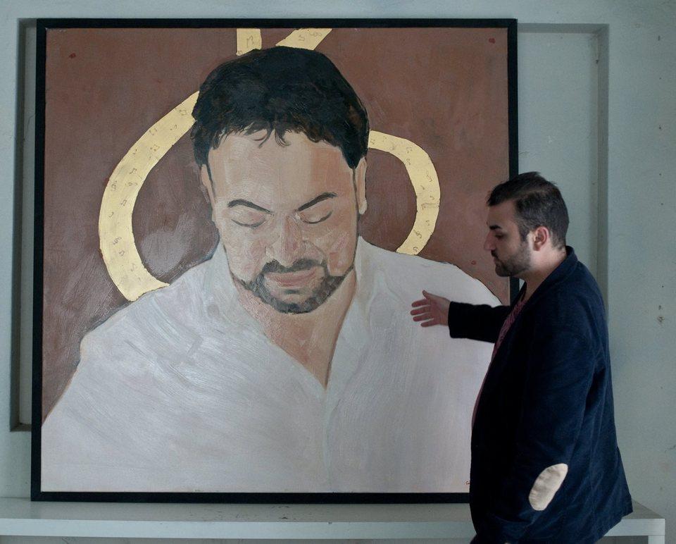 Premiera in arta romaneasca: expozitie cu manelisti! Portretele lui Salam, Guta sau Minune in ulei si foita de aur vor fi expuse la Muzeul Taranului Roman