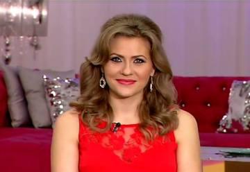 "Cat de mare si frumoasa s-a facut fetita Mirelei Boureanu Vaida! Prezentatoarea a imbracat-o astazi in ""diva""! Uite cum ii sta"
