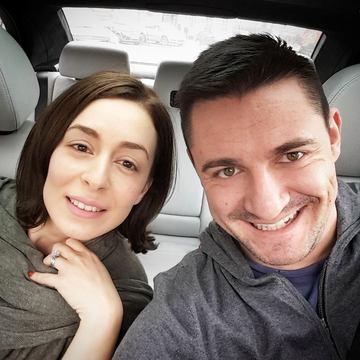 El este cel mai tare reporter pe IT, iar ea... ii face concurenta! Cum arata si cu ce se ocupa sotia lui George Buhnici