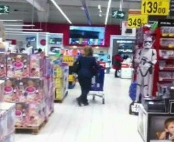 VIDEO Maria Basescu si-a scos nepotica la cumparaturi! Cat de mare si de frumoasa s-a facut Sofia, fiica Elenei Basescu