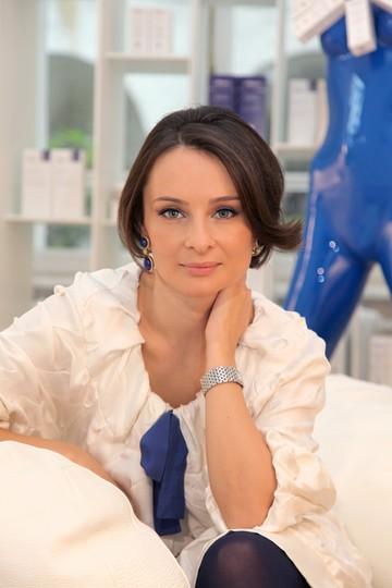 DEZVALUIRI | Ce soacra bogata are Emil Hurezeanu! Ambasadorul a imprumutat de la ea aproape 200.000 de euro!