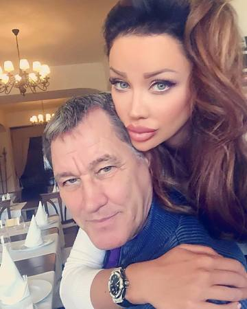 WOW! Uite ce face Bianca Dragusanu cu tatal ei DUPA 20 de ani