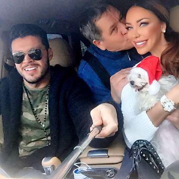 Bianca Dragusanu si Victor Slav, Craciun in familie! Uite cum s-au pozat cu rudele!