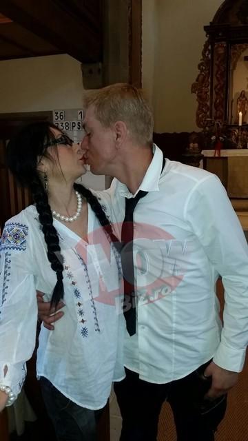 FOTO SI VIDEO EXCLUSIV! Ioana Popescu s-a logodit cu iubitul ei din Germania! Avem imagini exclusive de la ceremonia care a avut loc intr-o biserica evanghelica! Acesta este finalul povestii de amantlac dintre jurnalista si Firicel!