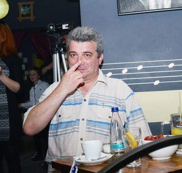 """Fratele lui Prigoana este scandalizat de """"manipularea nefumatorilor"""""""