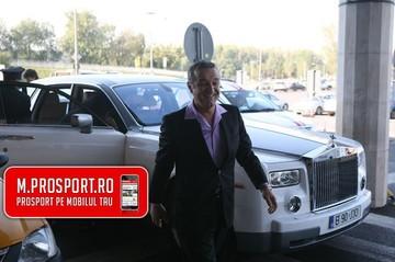 FOTO! Dovada incontestabila ca Gigi Becali tine foarte mult la fina Alina Borcea! I-a daruit un Rolls Royce de 300.000 de euro pe care abia si-l cumparase!