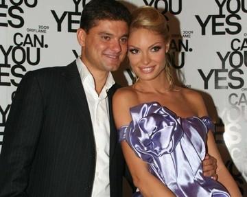"""EXCLUSIV! Cum """"a sarbatorit"""" Cristi Boureanu scandalul de amantlac in care e implicata fosta lui sotie!"""