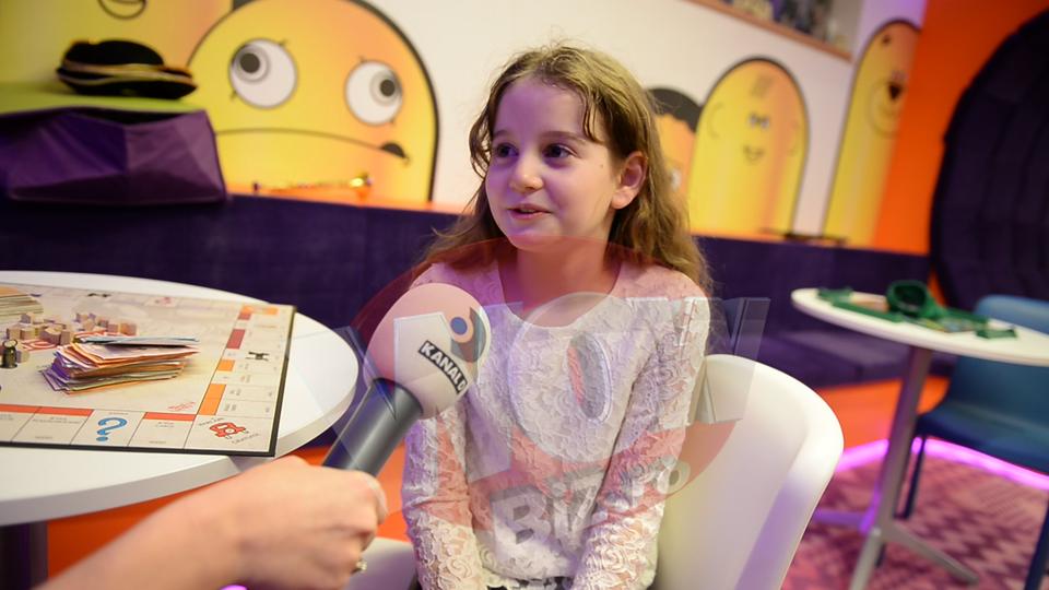 VIDEO EXCLUSIV! Cel mai tare interviu cu Irina Columbeanu! Domnisoara implineste azi 9 ani si ne-a dezvaluit ce se va face cand va creste si... cum isi trateaza admiratorii