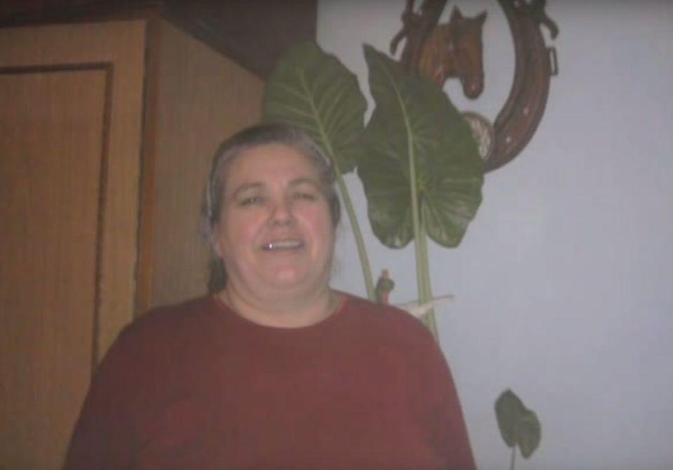 VIDEO Uite cum arata mama Lidiei Buble! Dupa ce a nascut 11 copii, viitoarea soacra a lui Razvan Simion a primit cadou din partea fiului Beniamin un clip emotionant!