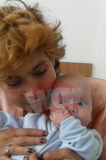 """EXCLUSIV! Ioana Tufaru s-a internat in spital cu baietelul ei! """"Luca tuseste si vomeaza!"""" Femeia trece prin momente cumplite cu fiul nascut prematur!"""