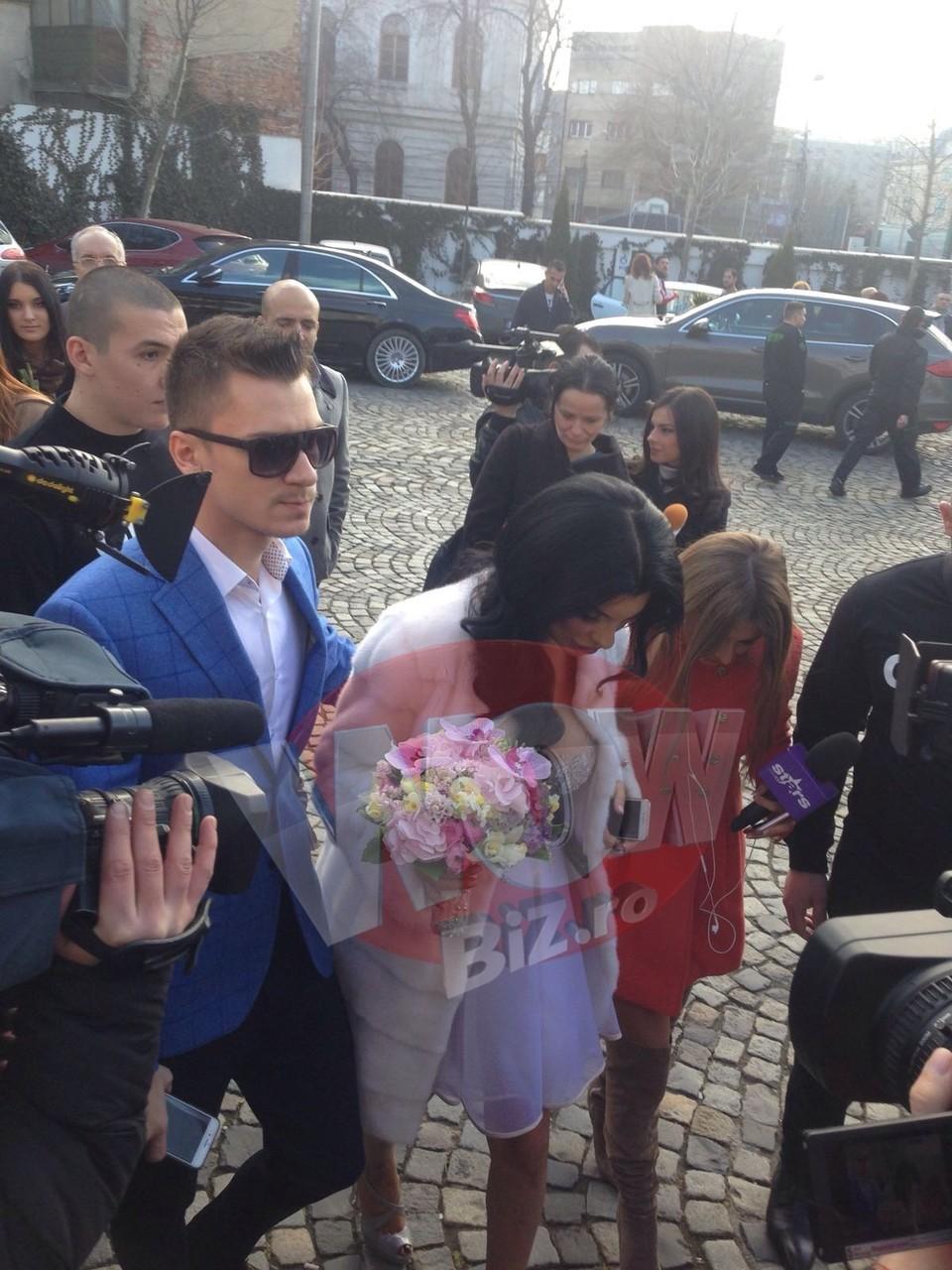VIDEO Ziua cea mare pentru Tonciu! Andreea s-a maritat! Uite cum a aratat graviduta si ce s-a intamplat, pas cu pas, la cununia civila!