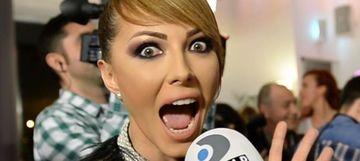 """VIDEO EXCLUSIV! Aroganta Ilincai Vandici la adresa Andreei Balan! Vedeta Kanal D a facut misto de aparitia artistei cu prietenul ei! """"Lumea e panicata ca a venit Andreea Balan cu iubitul! WOOOW""""!"""