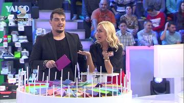 """VIDEO   Vica si Bursucu', dialog de zile mari! Nu rata in aceasta seara, de la ora 20.00, o noua editie a emisiunii """"Roata Norocului"""", numai la Kanal D!"""