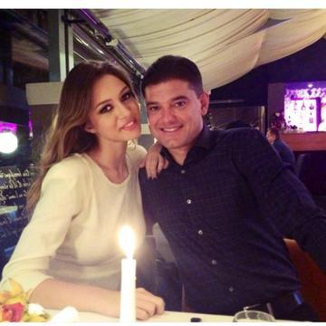 Cristi Boureanu, romantic cu iubita sa de 20 de ani! Fostul sot al Valentinei Pelinel ofera imense buchete de flori