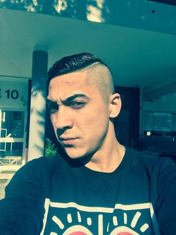 FOTO Babi Minune si-a schimbat look-ul si a fugit in Cipru