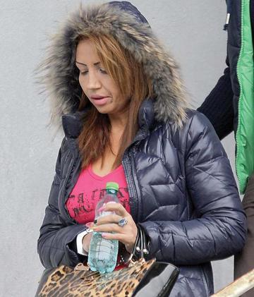 EXCLUSIV! Cutremur! Narcisa Guta, condamnata la 4 ani si 2 luni de inchisoare cu executare pentru talharie si lovire! Fosta iubita a regelui manelelor trebuie sa plateasca si daune de peste 20.000 de lei lui Beyonce de Romania si mamei sale