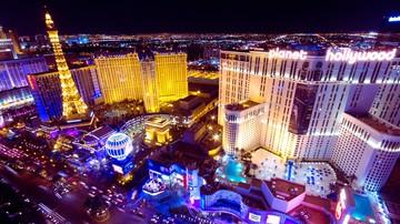FOTO! Romanul care a facut avere din poker si-a tras doua vile de sute de mii de euro in Las Vegas si Toronto! Uite cum arata casele lui Daniel Negreanu, tanarul care a strans 25 de milioane de dolari din jocuri de noroc!