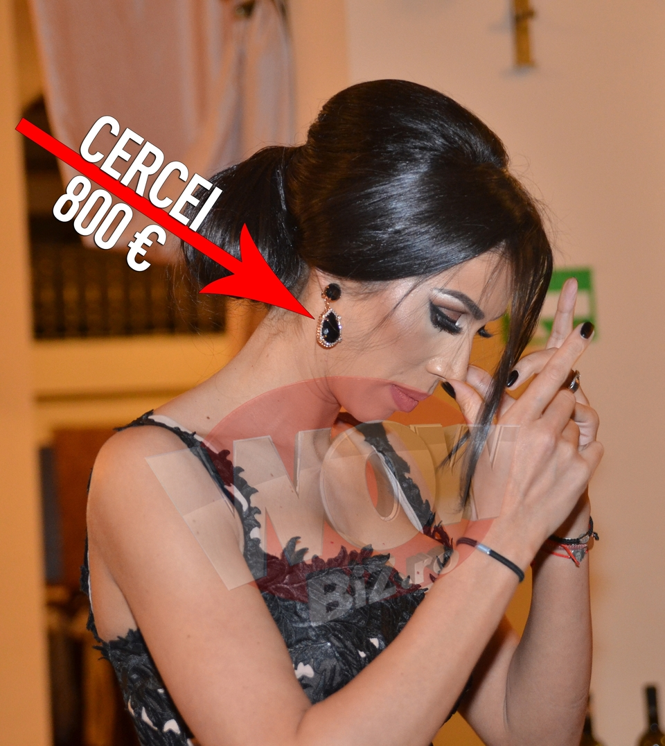 Video exclusiv   Raluca Pastrama, aparitie spectaculoasa, ca nasa, in tinute de 15.000 de euro! Sotia lui Pepe a dat doar pe pantofi… 2.000 de euro! Toti barbatii de la botez au intors capul dupa frumoasa bruneta!