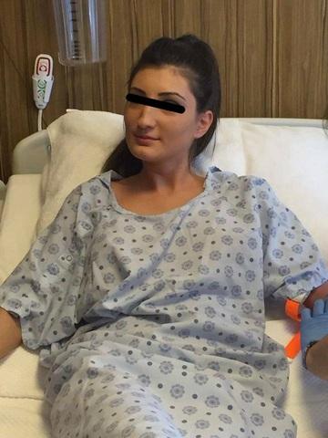 Foto | Tonciu, cu burta la gura, in Turcia! S-a dus cu sora ei programata la o operatie! Afla detalii